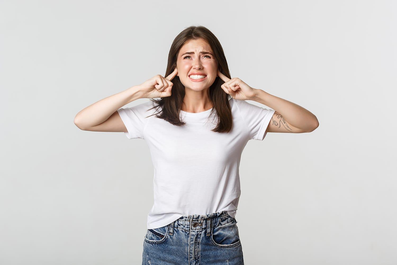 ¿Qué es la Tinnitus y Por que Ocurre?
